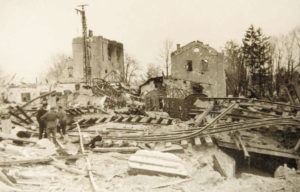 Bombenangriffe zerstörten am 18. April 1945 den Bahnhof und forderten über 100 Menschenleben. © Stadtarchiv Traunstein