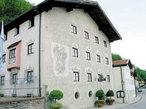 Stadtmuseum mit Fresko von F. J. Soll. © Stadt Trostberg