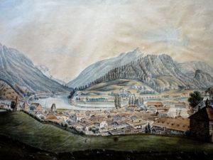 Blick vom Gruttenstein auf die mittelalterliche Stadt und ins Saalachtal. © J. Lang