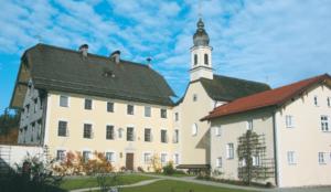 Klostergut Harpfetsham © H. Roth