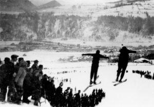 Die erste Skisprunganlage befand sich am Astenfeld,