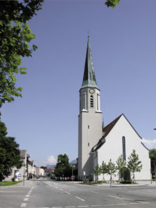 Die ab 1924 erbaute St. Rupertuskirche, Turm 1935 © S. Schwedler