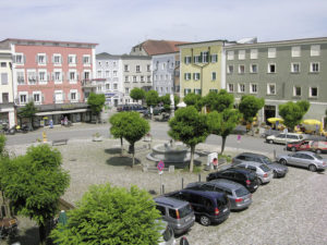 Oberer Stadtplatz in Inn-Salzach-Bauweise. © S. Schwedler