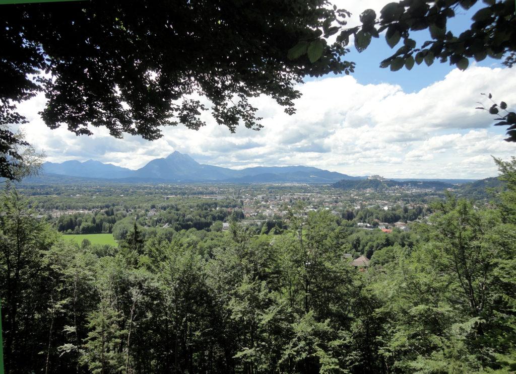 Blick von der Jägerhöhe auf Salzburg © J. Lang