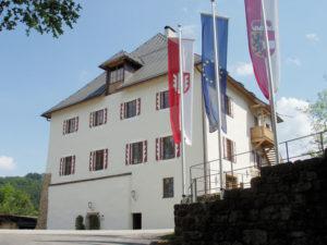 Das 2003 neurenovierte Schloss Mattsee. © Marktgemeinde Mattsee