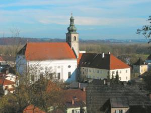 Klosterkirche Allerheiligen in Tittmoning © H. Roth