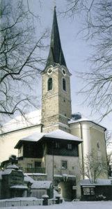 Schanzhäusl mit Kirche als Rest der Befestigungsanlagen aus dem Dreißigjährigen Krieg. © J. Schwaighofer; Repro Neumarkter Druckerei