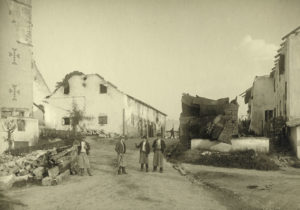 Das durch den Brand vom 21. Mai 1917 verwüstete Ortszentrum von Obertrum. (SLA, Landesausschussakten II 36/3; Reproduktion SLA)