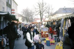Der Fastenmarkt in Straßwalchen heute. © H. Schopf, SLA, Fotos. F 3845; Repro SLA)