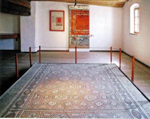 Römischer Mosaikfußboden im Museum. © R. Ruhland