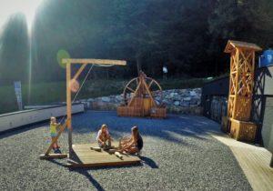 """Kinderspielplatz am Besucherzentrum Geopark """"Erz der Alpen"""" © TV Bischofshofen"""