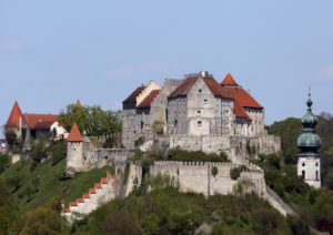 Die Hauptburg von Süden © Burghauser Touristik GmbH