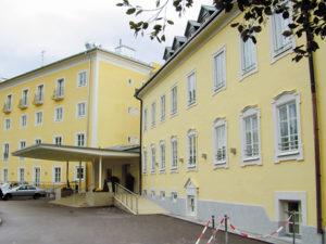 Eingangsbereich des Kasererhofes, heute Castellani-Parkhotel © H. Guggenberger