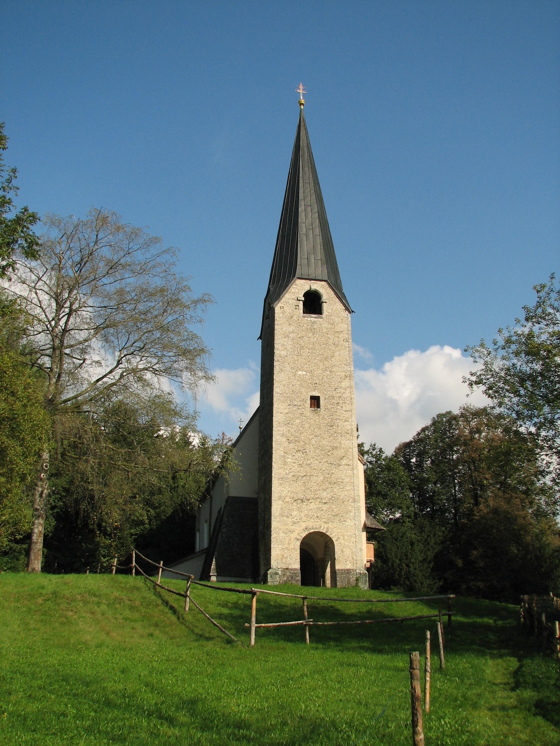 Die spätgotische Kirche St. Georg am Georgenberg in der Marktgemeinde Kuchl © Marianne Robl