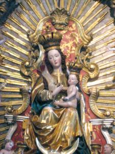 Geschnitzte Madonna am Hochaltar, 1636 © A. Wintersteller