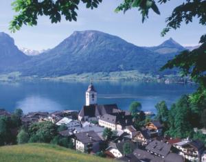 Blick auf die Kirche und auf den Wolfgangsee © A. Wintersteller