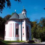 Wallfahrtskirche Maria Ponlach nahe der Burg Tittmoning © H. Roth